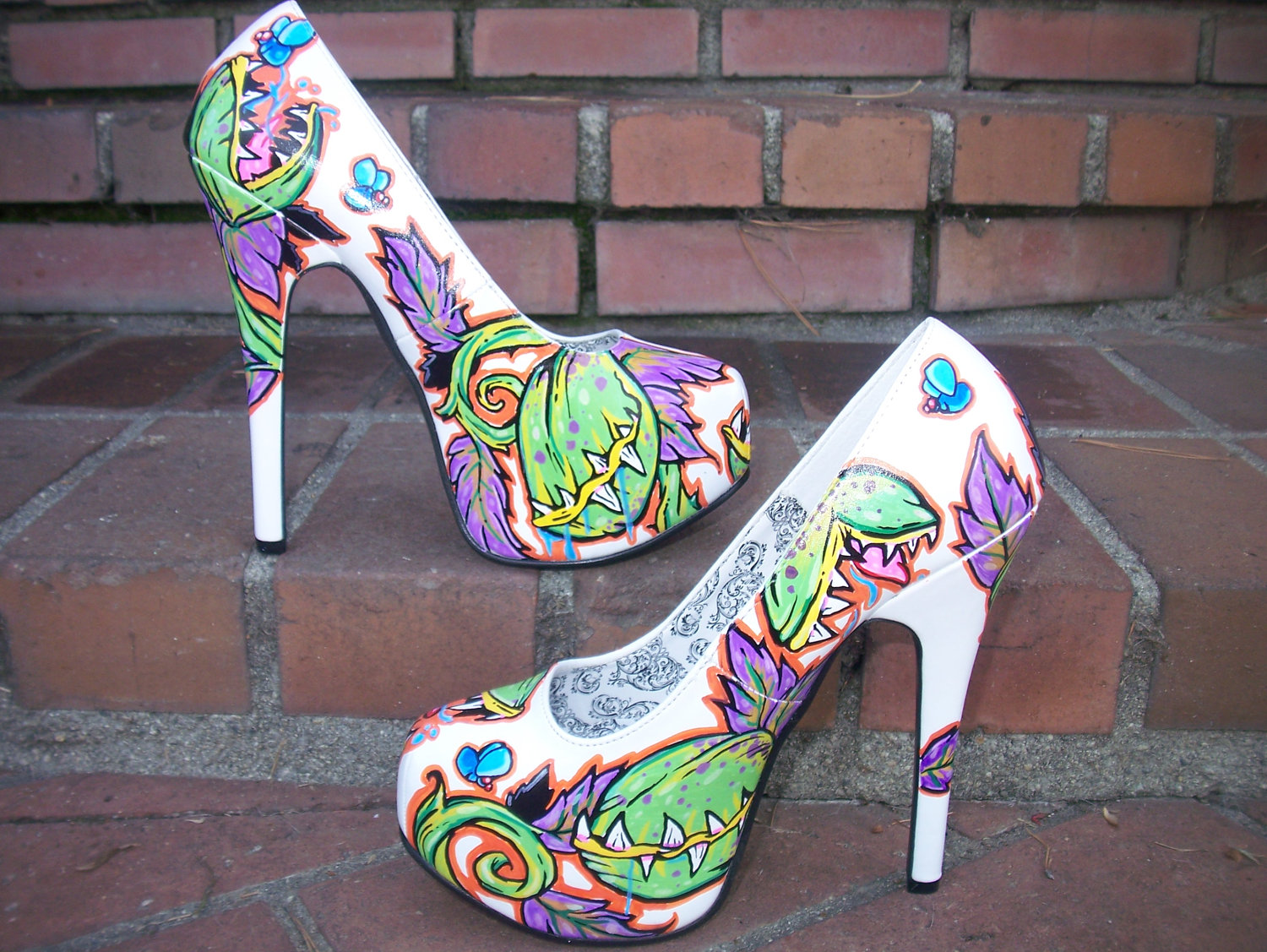 Unique hand painted Venus Fly Trap high heels