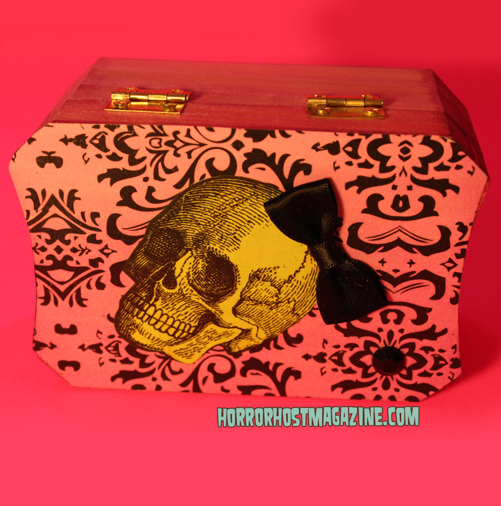 Box pink cute green skull B